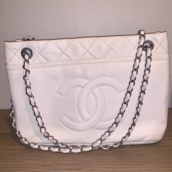CHANEL Handbags - Chanel Grand Caviar Shoulder Bag